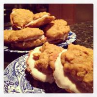 Pumpkin Oatmeal Cream Cookies {Gluten Free}
