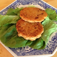 Quinoa Burgers {Gluten Free, Vegetarian}
